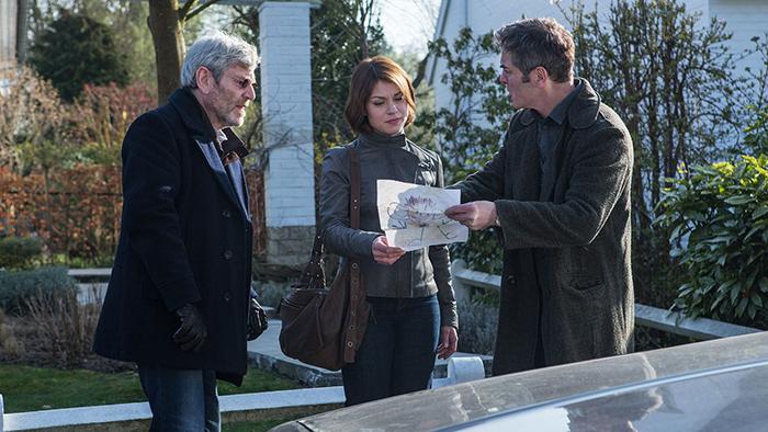 Tony junto al inspector Julien Baptiste en la búsqueda de su hijo