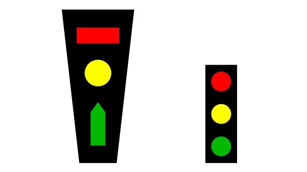 semáforos de Berlín - semáforos de Berlín - semáforos de Berlín - semáforos de Berlín - semáforos de Berlín - semáforos de Berlín - semáforos de Berlín - A la izquierda, semáforo de tráfico rodado propuesto por Peglau. A la derecha, un semáforo tradicional.