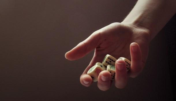 Fotografía: Hand of chance(Licencia)