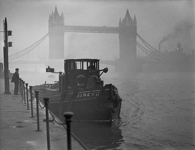 Smog-On-The-Thames
