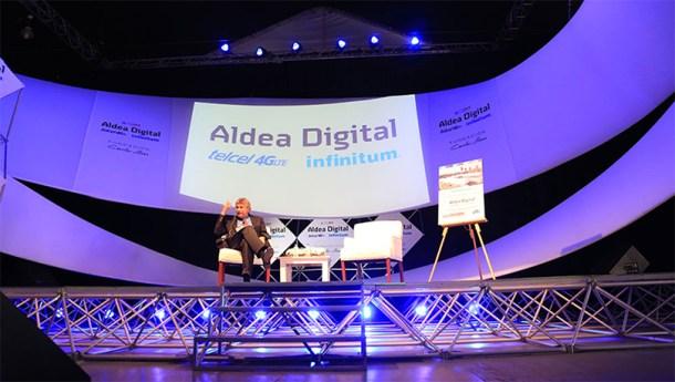 Eric Lander durante su conferencia en Aldea Digital 2015