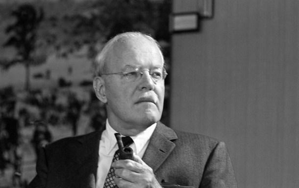 Allen Dulles, primer director civil de la CIA y principal promotor del proyecto MKUltra. <a href=