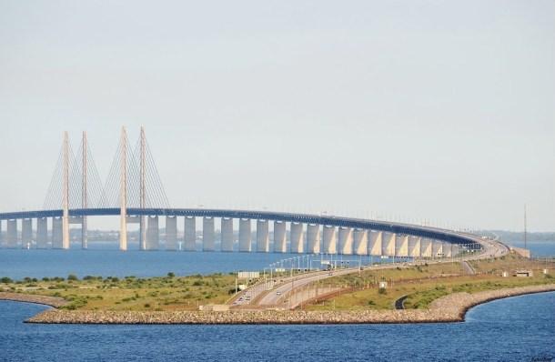 Vista de la isla Peberholm y el puente atirantado