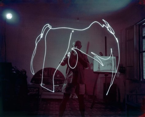 Date taken: 1949 Description: Artist Pablo Picasso, in darkened room, creating drawing using light pen. City: Vallauris Country: France cr: Gjon Mili/Time & Life Pictures/Getty Images OWNED
