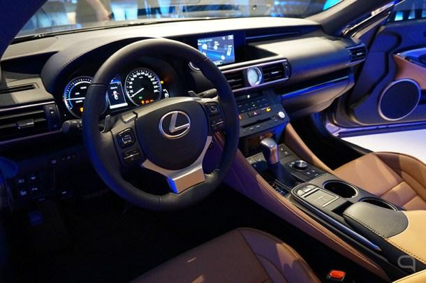 Interior del nuevo Lexus RC 300h - diciembre 2015