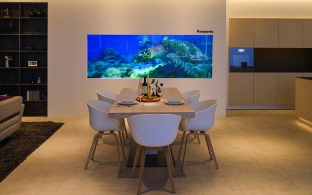 Comedor inteligente de Panasonic con televisor en pantalla de cristal - IFA 2015