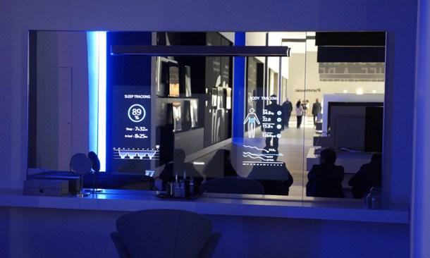 Dormitorio inteligente, cristal con nuestros datos, sistema de iluminación y sonido- IFA 2015