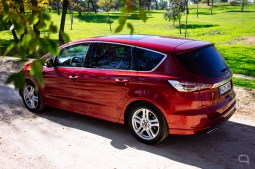 Ford S Max-39