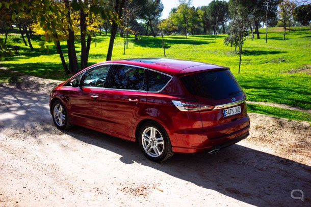 Ford S Max-40