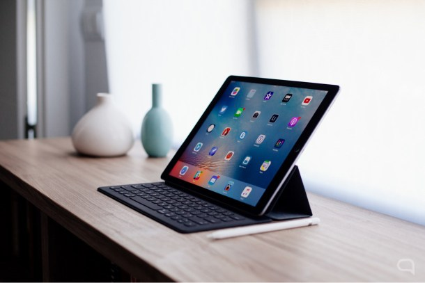 iPad-Pro-sobre-una-mesa