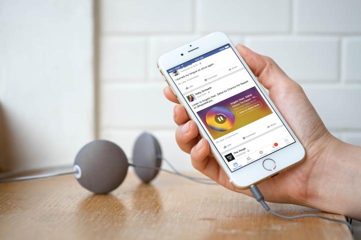 música en Facebook