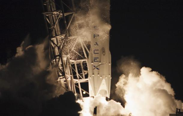 El cohete Falcon 9  despega desde el Cabo Cañaveral en Florida. Reuters | Mike Brown
