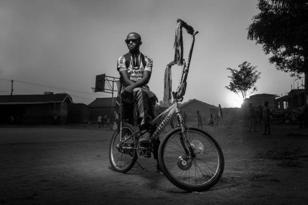 """Primer premio de la categoría """"personas"""". Joel Nsadha."""