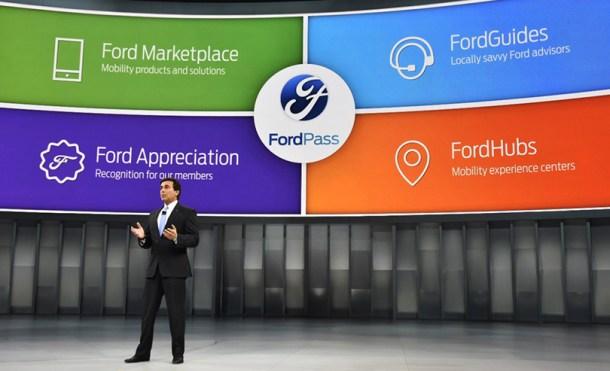 Mark Fields, CEO de Ford Motor Company, durante la presentación en Detroit