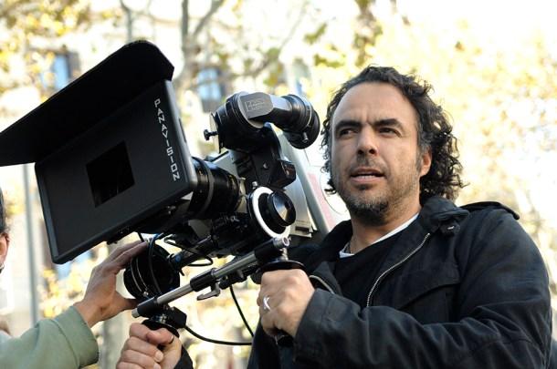 Alejandro_González_Iñárritu_with_a_camera_in_production