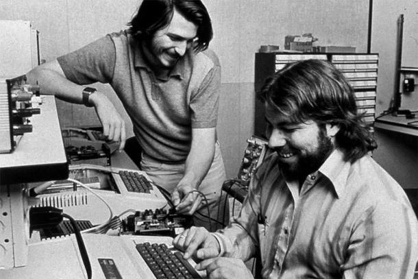 apple-garage-steve-jobs-wozniak