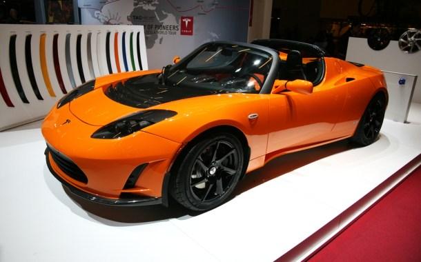 Tesla Roadster / Shutterstock
