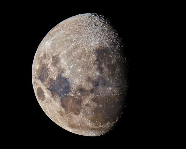 The Hidden Colours of the Moon