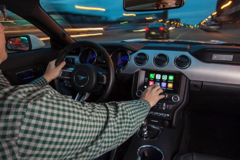 Apple limitará la integración de Siri con apps de terceros