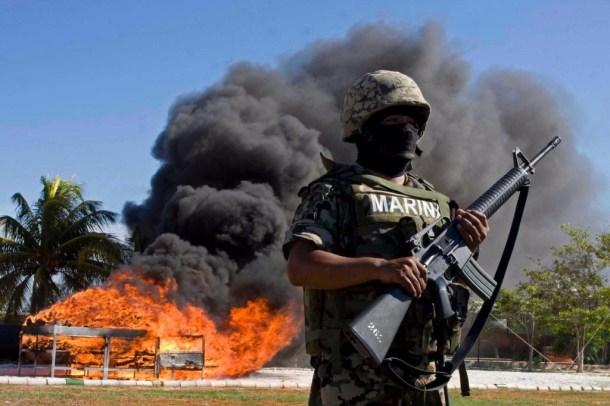 Violencia callejera en Mexico 15 marina