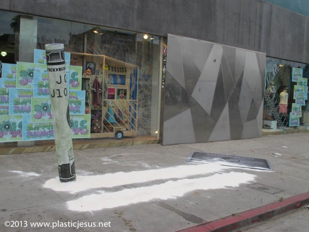 EXCLUSIVE - Giant Cocaine Streeat art Hits Los Angeles