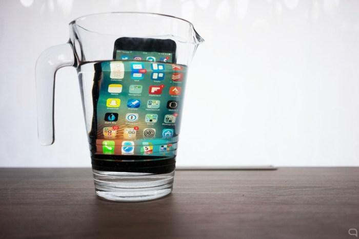 iphone-7-plus-agua