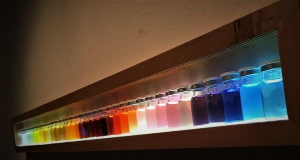 Muestra de colores de las bebidas disponibles en supermercados.