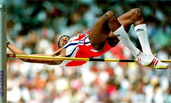 Javier Sotomayor Sanabria. Exatleta cubano, considerado el mejor de la historia en salto de altura.