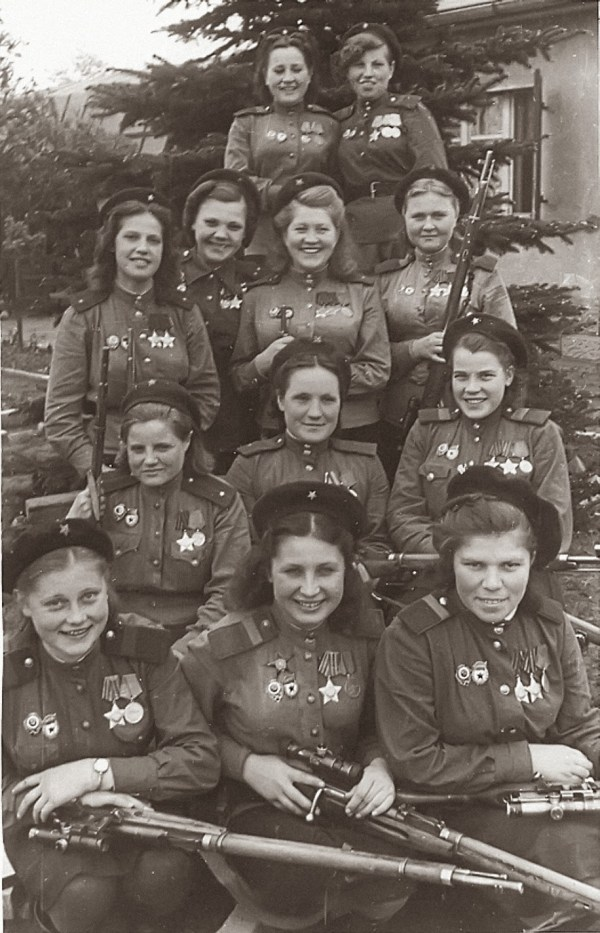 775 confirmed kills in one picture, 1945