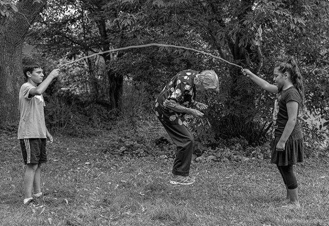 91-year-old-mother-playful-photography-elderly-women-strange-ones-tony-luciani-13
