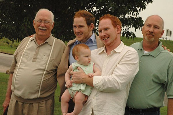 family-portrait-different-generations-in-one-photo-153__605