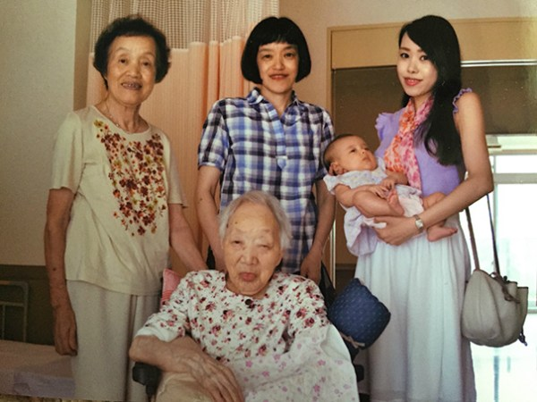 family-portrait-different-generations-in-one-photo-20__605