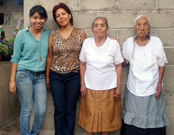 family-portrait-different-generations-in-one-photo__605