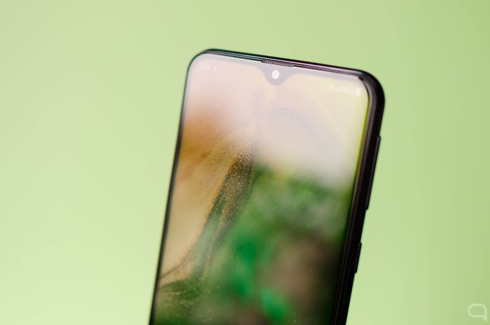 Samsung Galaxy M20 notch