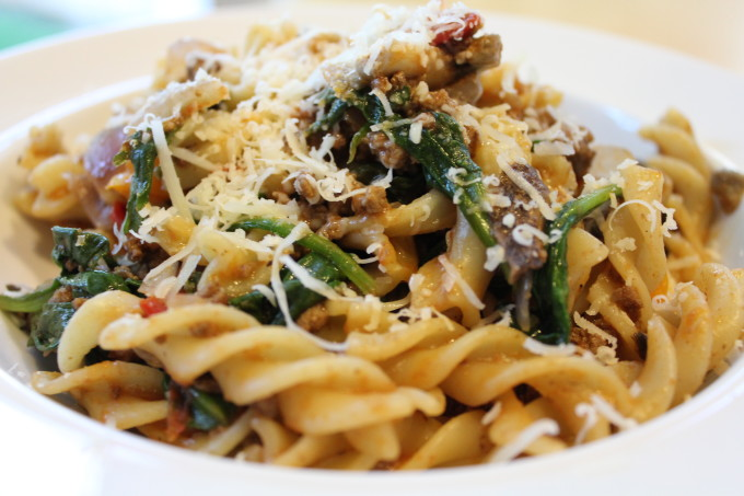 Fusilli Pasta with spinach tomatoes and mushrooms! Make this quick and delicious, easy weeknight dinner! Your family will love this!