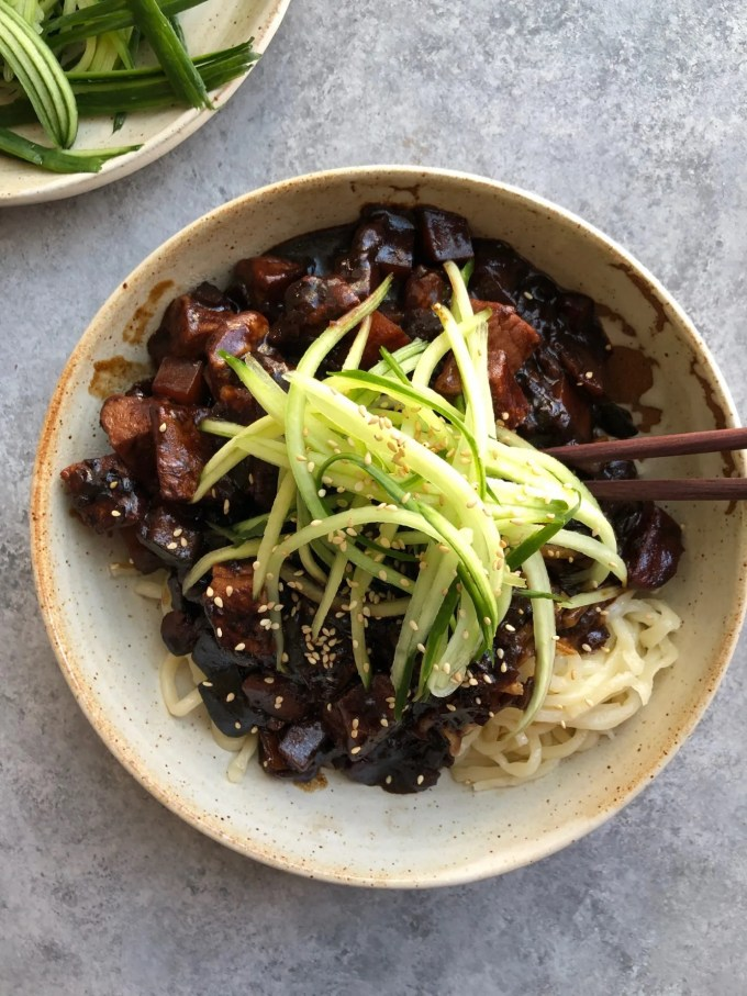 How to Make Jajangmyeon Noodles