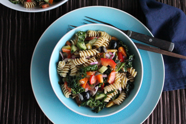 Kale Pasta Salad | HipfoodieMom.com