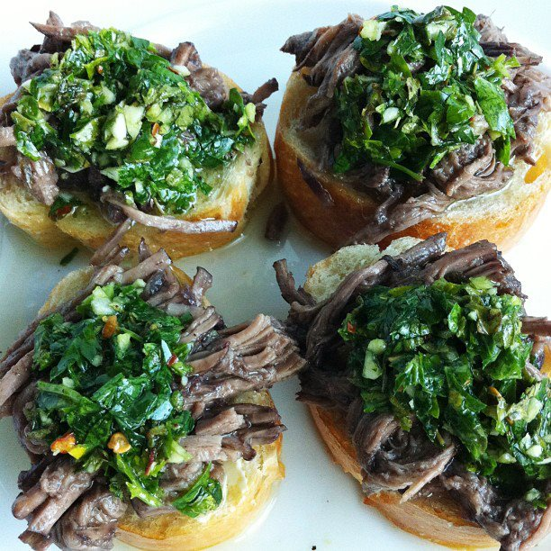 Little Toasts with Braised Beef and chimichurri | HipFoodieMom.com