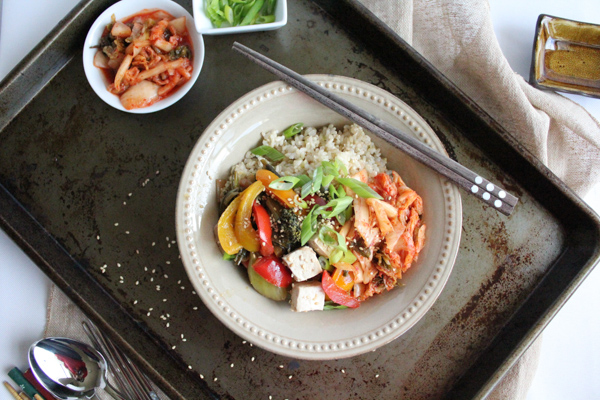 rice bowl with veggies tray tilt | HipFoodieMom.com
