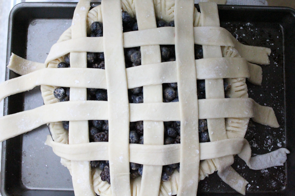 Lattice prep | HipFoodieMom.com