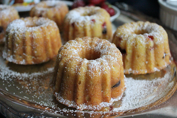 Strawberry Mini Bundts main | HipFoodieMom.com