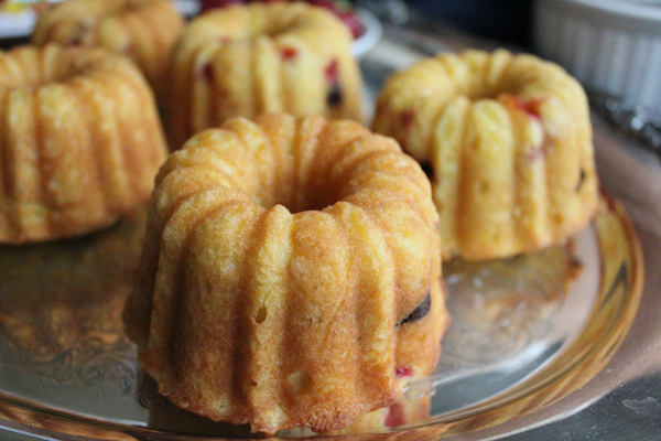Strawberry Mini Bundts prepowered | HipFoodieMom.com