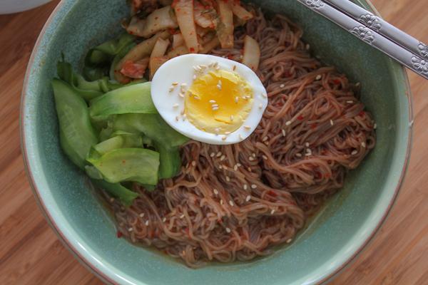 Bibim Naeng Myun_closeup | HipFoodieMom.com