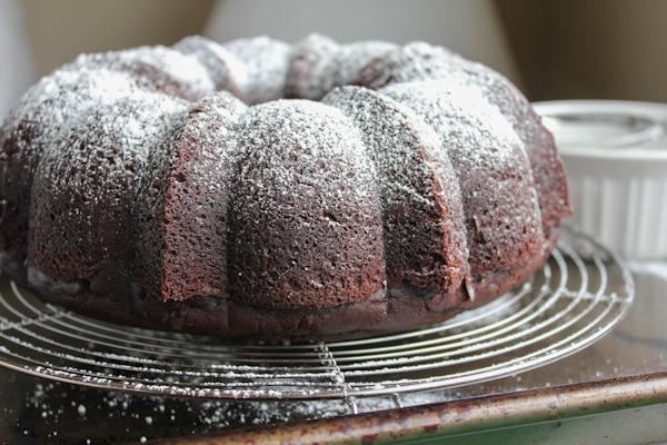 Cinnamon Chocolate Bundt Cake | HipFoodieMom.com