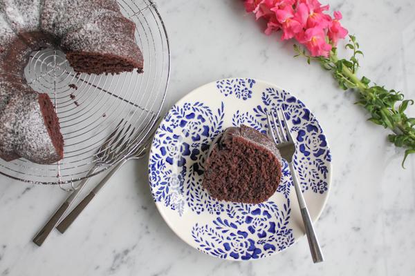 Cinnamon Chocolate Bundt Cake_rev | HipFoodieMom.com
