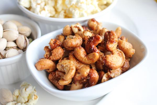 Orange Spiced Cashews | HipFoodieMom.com