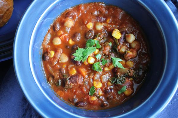 Vegetarian Chili_upclose | HipFoodieMom.com