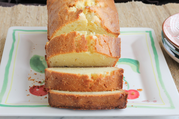 Pound Cake_main | HipFoodieMom.com
