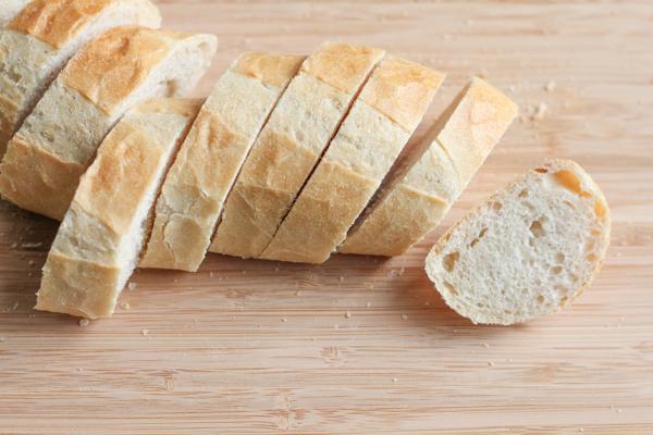 Sliced baguette | HipFoodieMom.com