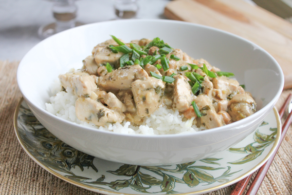 Coconut Lemongrass Chicken Curry | HipFoodieMom.com